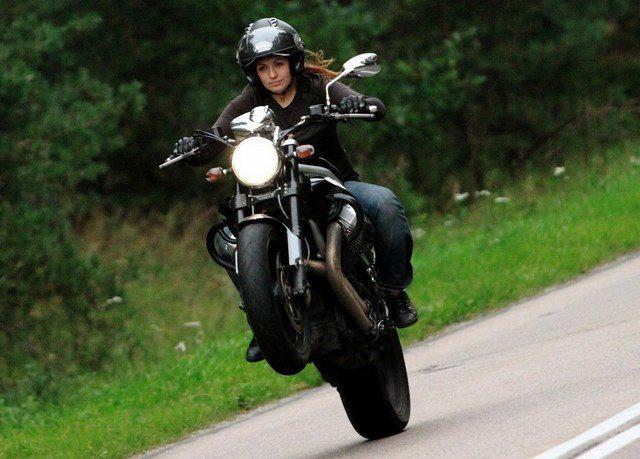 Programa 18.- Cómo ser mujer en Moto y no morir en el intento