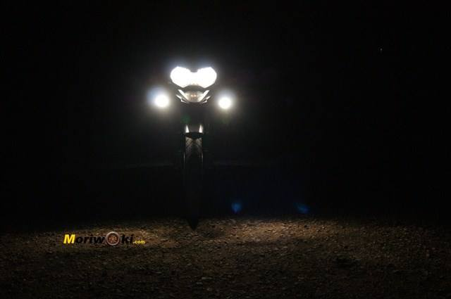 Triumph Explorer XC luz frente