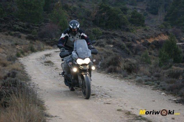 Triumph Explorer XC en pie jl