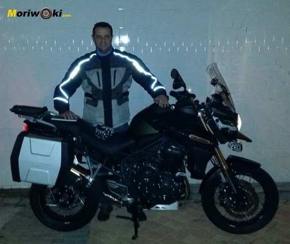 Triumph Explorer XC noche