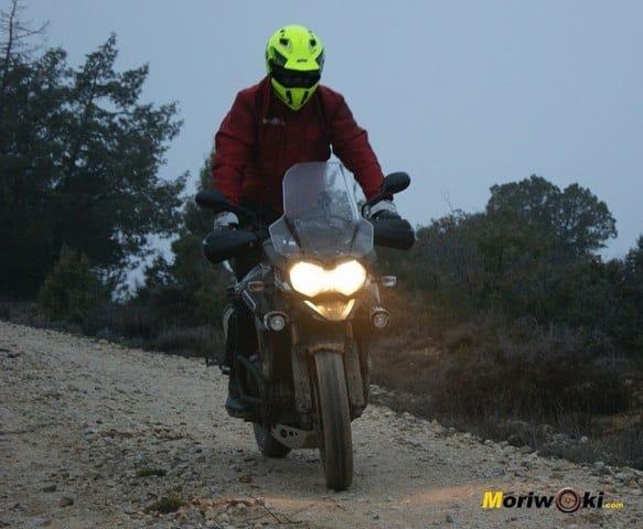 Triumph Explorer XC en pie