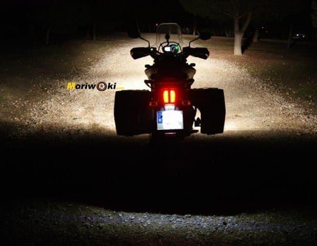 Triumph Explorer XC luz roja