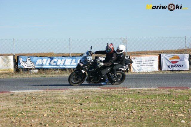 Triumph Explorer XC con pasajero