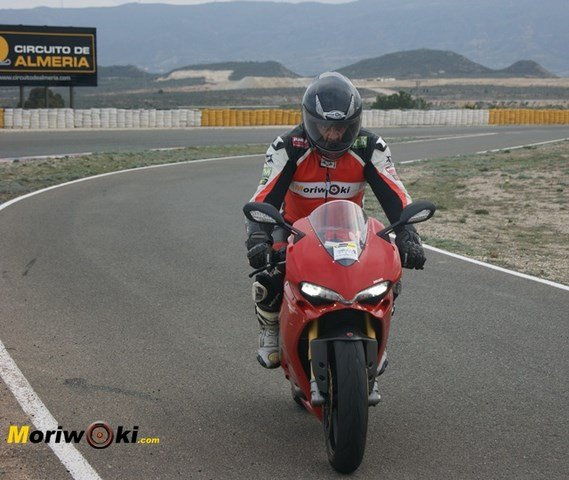 Panigale 1299 frente pit
