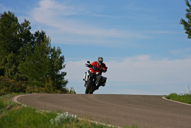 Ducati Multistrada Enduro en el horizonte