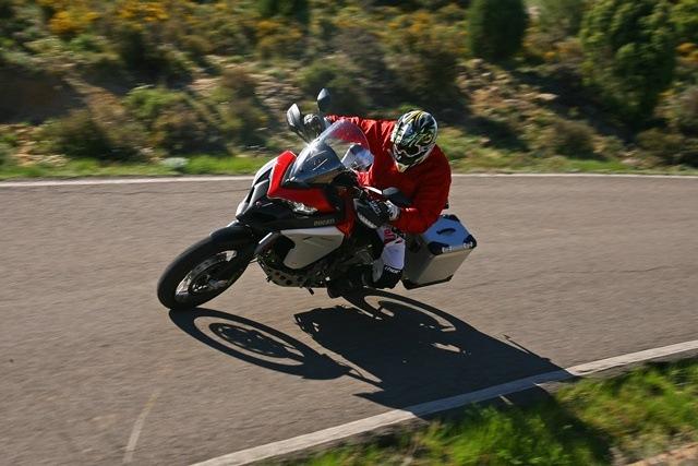 Ducati Multistrada Enduro derechas arriba