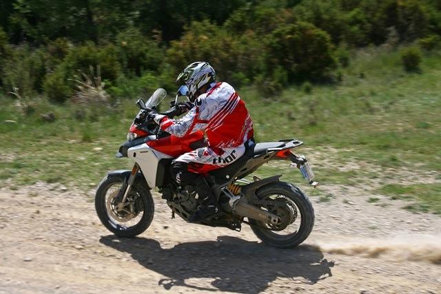 Ducati Multistrada 1200 Enduro ergonomía sentado