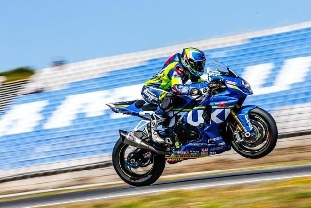 La Resistencia Un sprint interminable caballito Suzuki