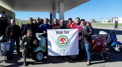 canal moriwoki 83 pancarta vespa tour