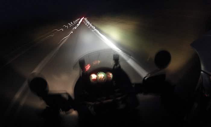 Relato de la moto Premiado por RNE conduciendo de noche