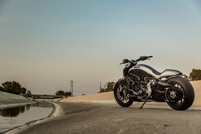 La Ducati XDiavel by_Roland_ panorámica