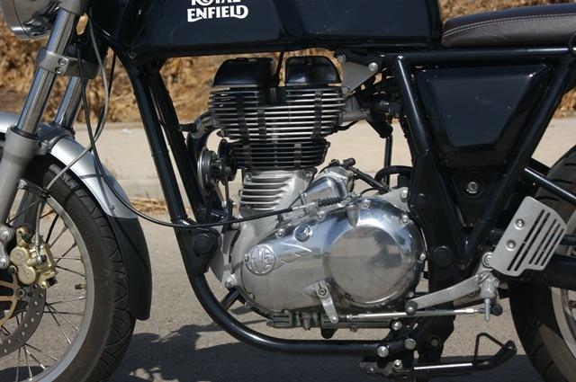 Royal Enfield continental GT perfil motor