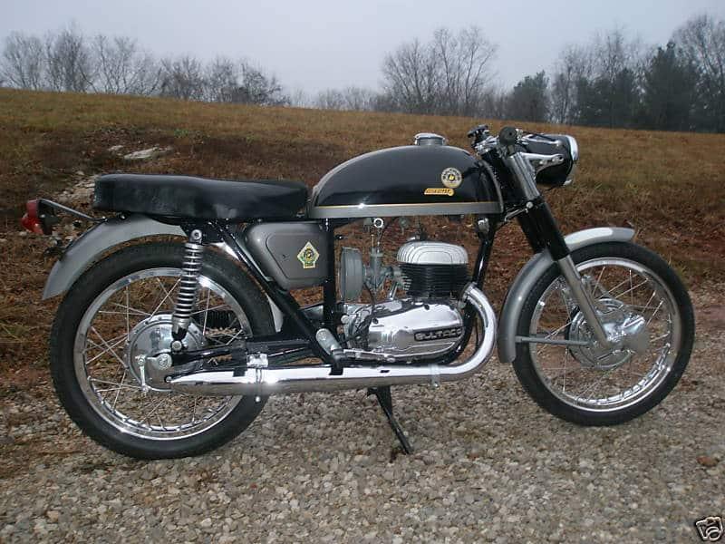 Relato de la moto Premiado por RNE metralla mk2 derecha