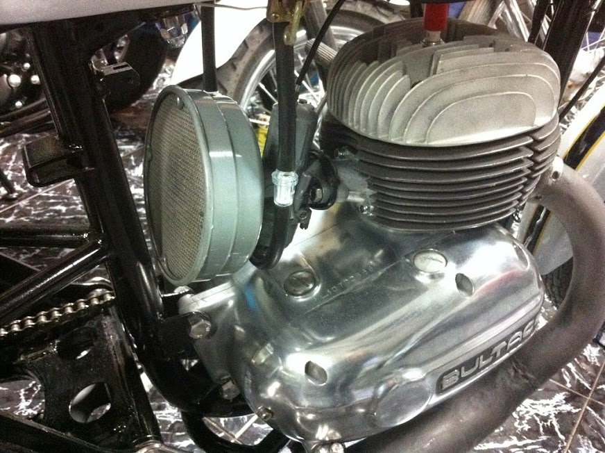 Relato de la moto Premiado por RNE filtro aire metralla