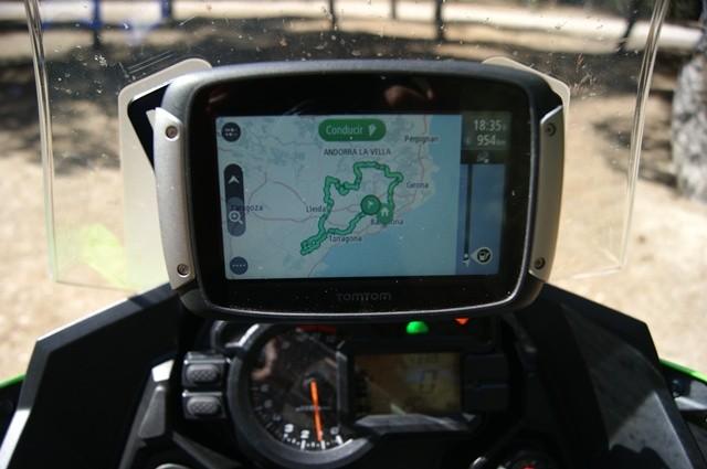 Kawasaki Versys 1000 y su navegador