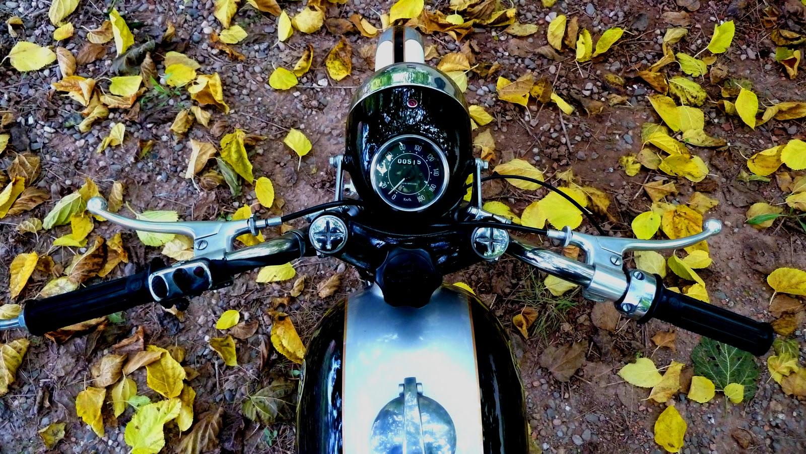 Relato de la moto Premiado por RNE manillar metralla