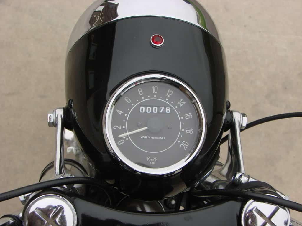 Relato de la moto Premiado por RNE velocimetro metralla