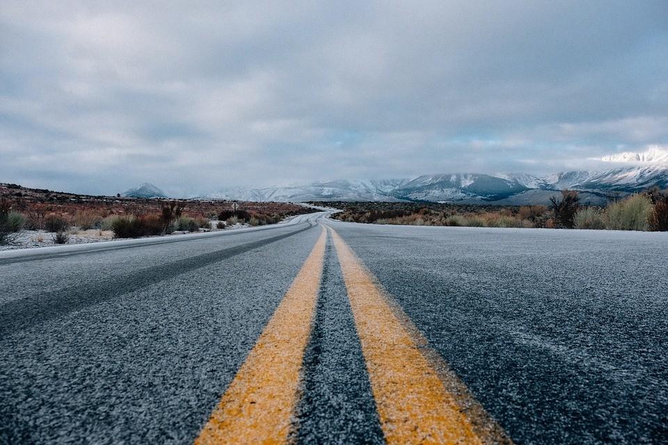 Relato de la moto Premiado por RNE carretera en invierno