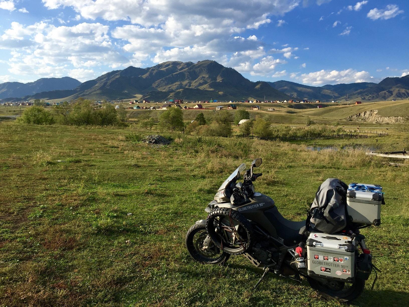 La Vuelta al mundo en Ducati MTS Enduro llega a Japón