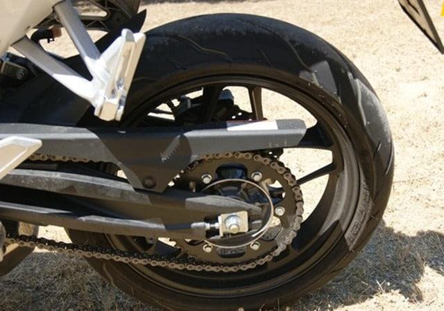 Hyosung GD 250 R semi manillares