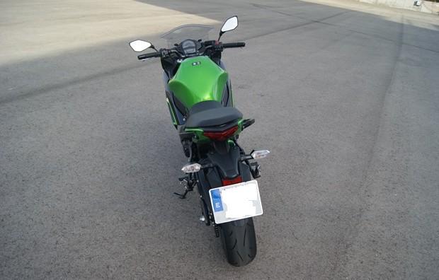 Kawasaki ER-6 f aerodinamica