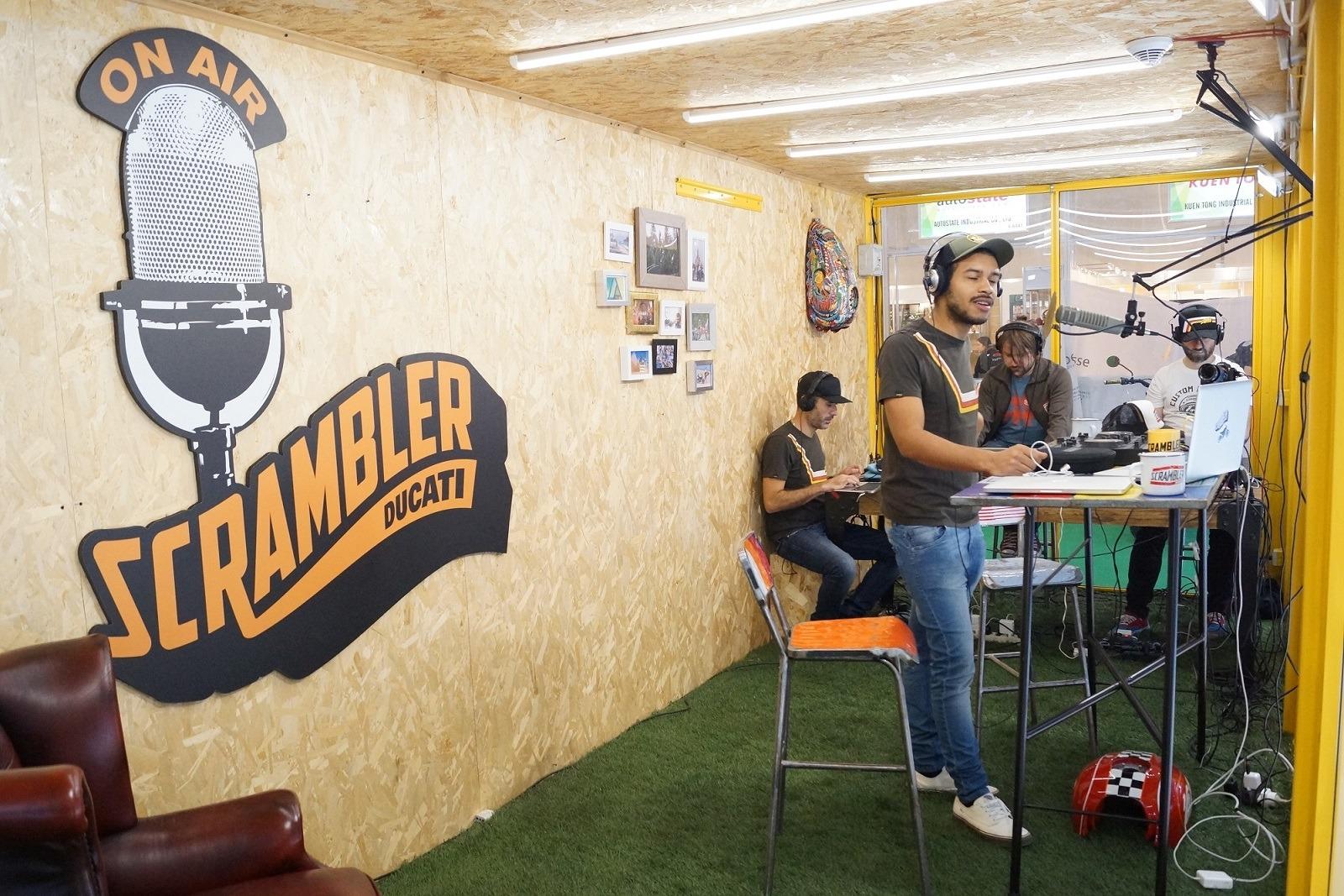 Ducati Scrambler INTERMOT estudio radio