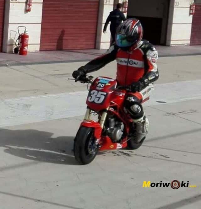 RAV Naked Moto· Circuito Grande saliendo