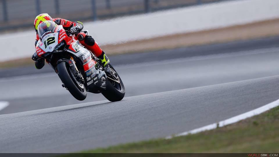 Xavi Forés renueva para 2017 con el Barny Racing Team acelerando