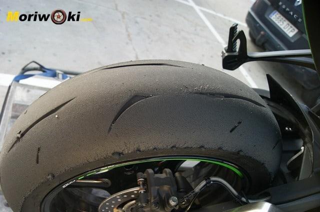 Kawasaki ZX10 neumático desgaste uniforme