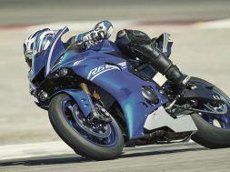 2017-Yamaha-YZF-R6 3