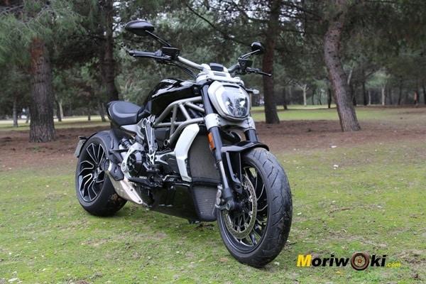 Ducati XDiavel 2016 imponente dcha