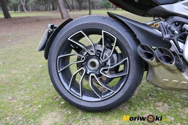 Ducati XDiavel 2016 rueda