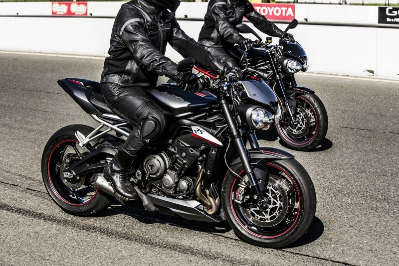 Triumph Street Triple 2017 3 en pareado