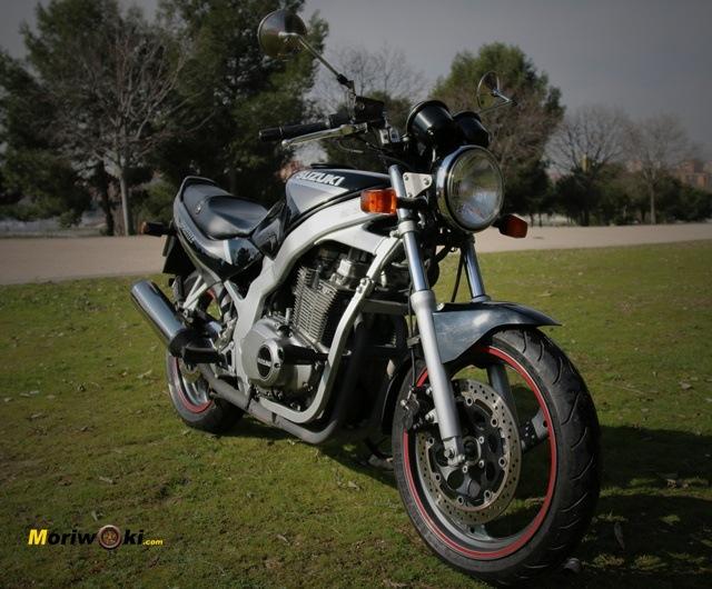 ilusión moto nueva tres cuartos