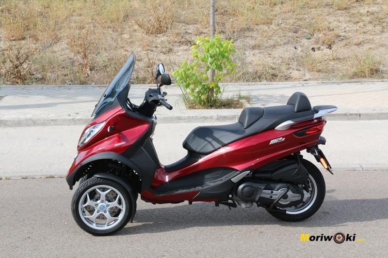 Los mejores scooters de tres ruedas. El Piaggio MP3 LT 500 Bussines, un gran GT.