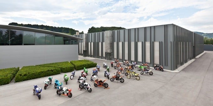 Akrapovic Responde Factory HQ
