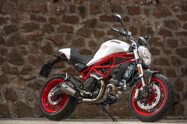 Regalos Ducati para Navidad Monster 797 Performance00