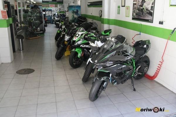Kawasaki H2R en venta entre otras