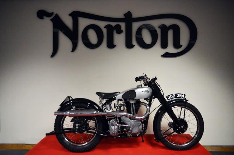 Norton Scrambler 650 antigua