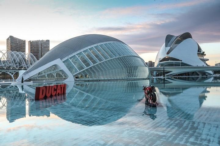 Así es la nueva Ducati Panigale V-4. Presentación Mundial