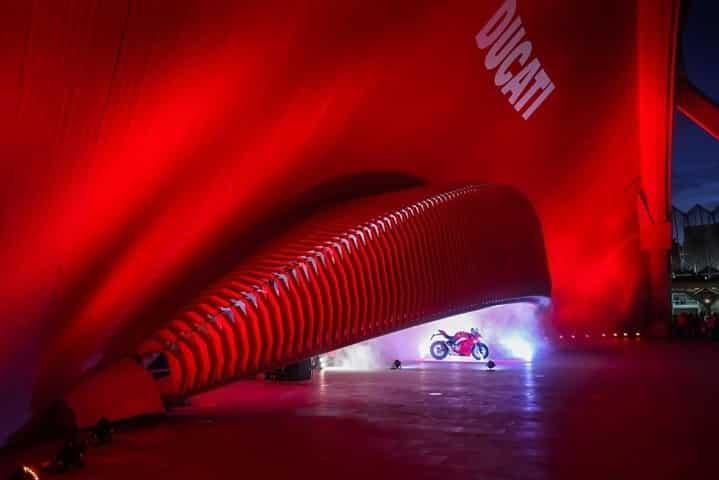 Ducati Panigale V4 presentación internacional Valencia museo