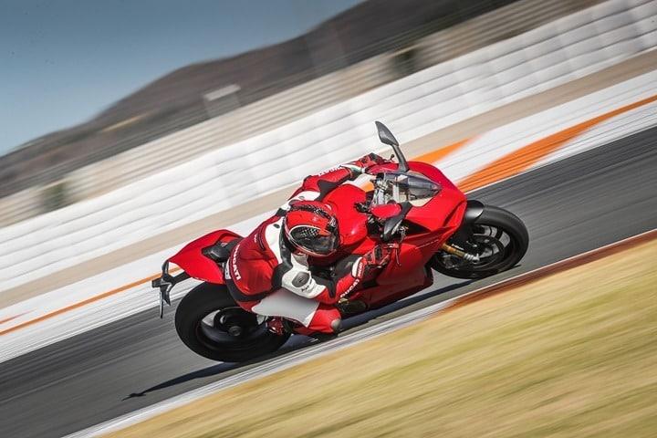 Ducati Panigale V4 presentación internacional Valencia pista