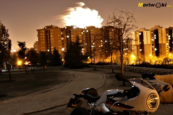 La Noche Vieja en moto: Un equilibrio sobre el tiempo