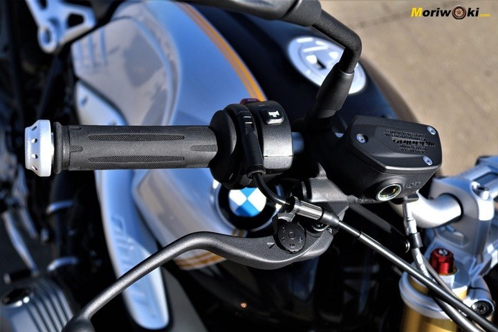 BMW-R-nine-T-Prueba-a-fondo man