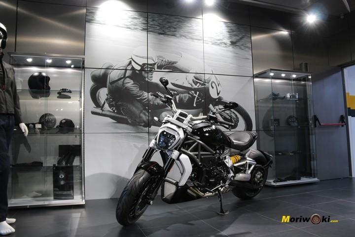 Ducati Madrid: El escenario más espléndido para la belleza más arrebatada