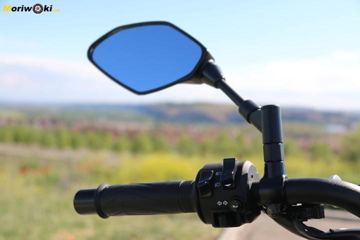 Prueba Yamaha MT-09 SP espejo