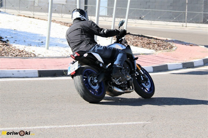 Prueba Yamaha MT-09 SP accion 22