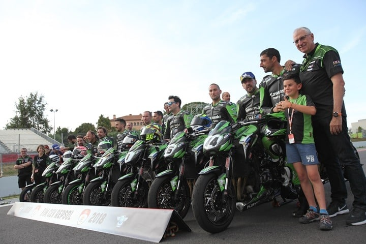 European-Kawasaki-Z-Cup-2018-Montmeló. Todo el grupo
