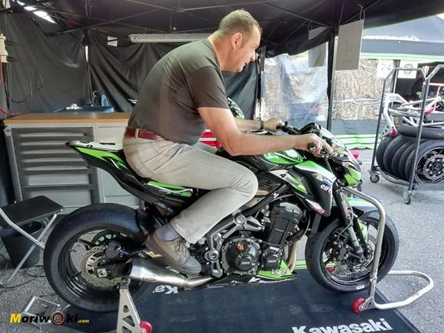 European Kawasaki Z Cup Montmeló 2018 erguido