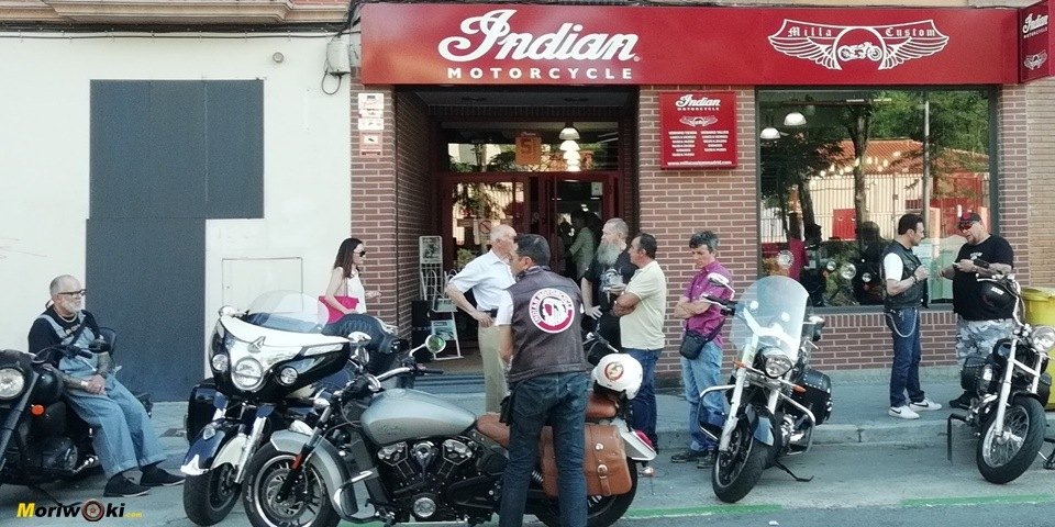 Indian inauguración Milla custom fachada